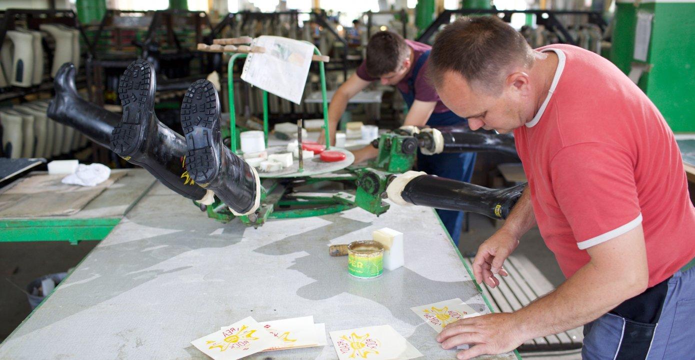 Rucno radena u svakoj fazi proizvodnje